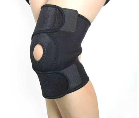 black-knee-support-web